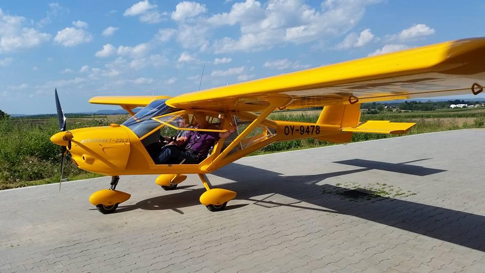 Det nye skolefly (Bamse) ankom i aften til Albatros